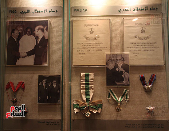 مجموعة-من-الأوسمة-والتكريمات-التى-حصل-عليها-عبد-الوهاب-من-الملوك-والامراء-العرب