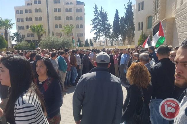 استقبال شعبى حافل لرئيس الوزراء الفلسطينى فى رام الله