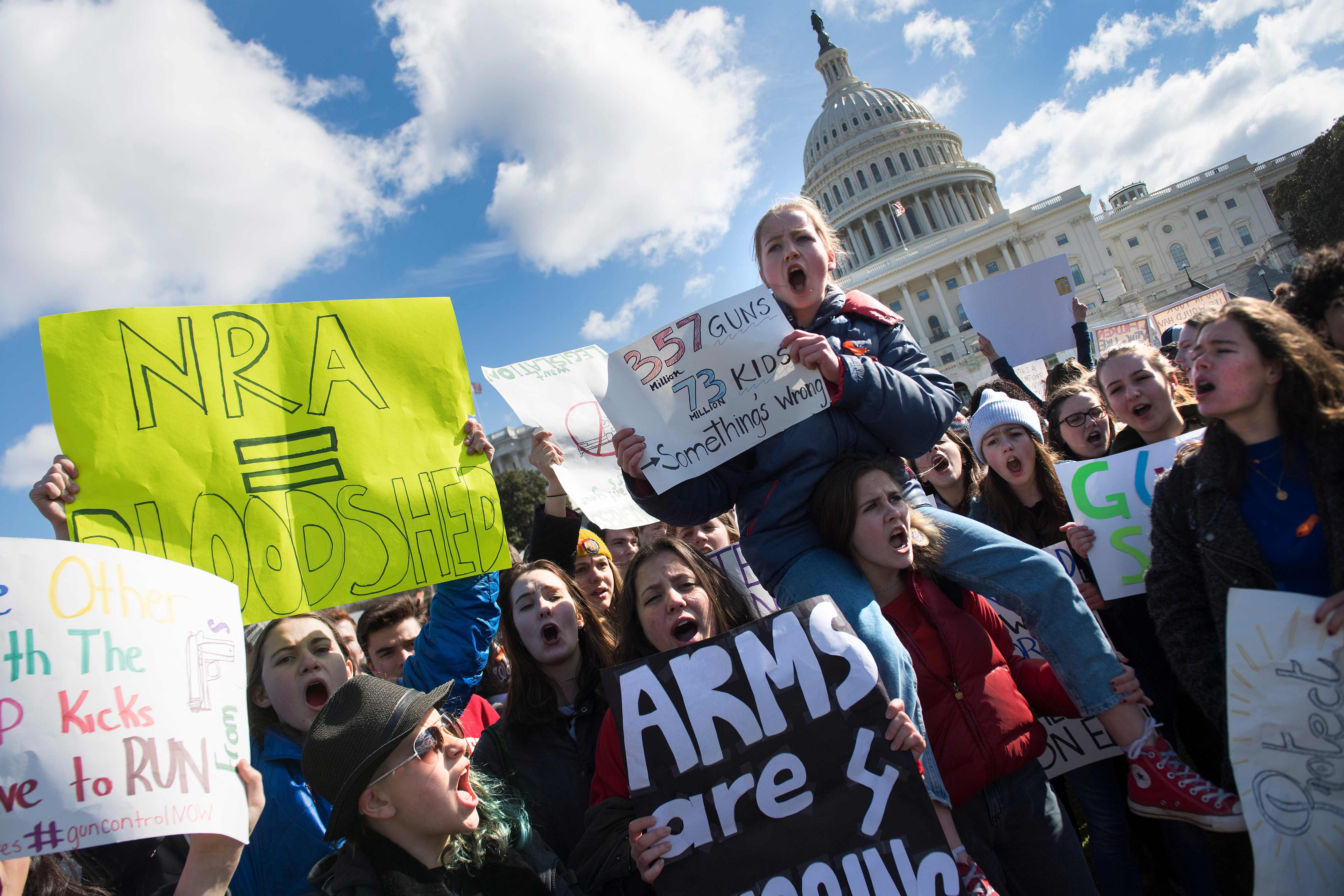 تظاهرات أمام البيت الأبيض