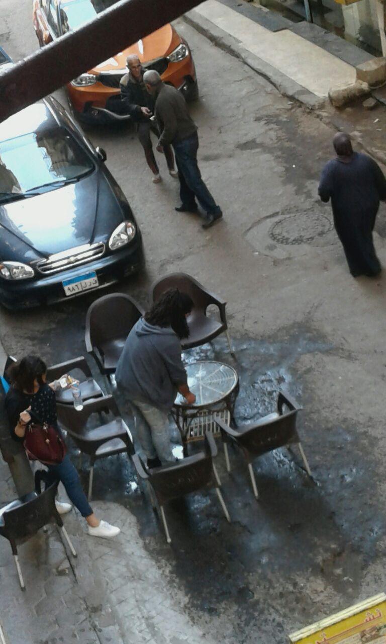 كراسى المقهى فى الشارع