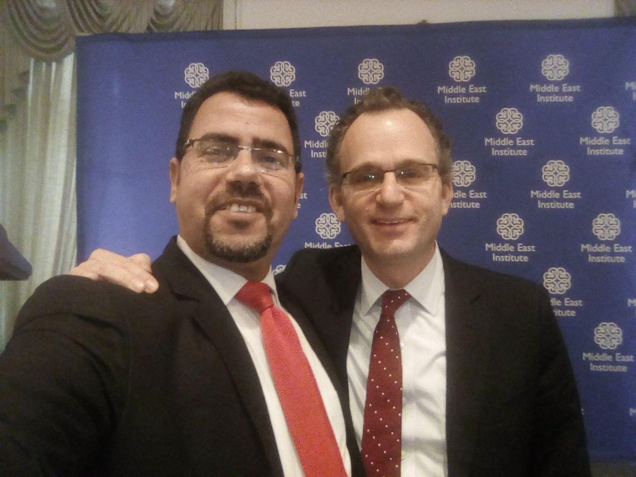 محرراليوم السابع مع نائب معهد الشرق الأوسط