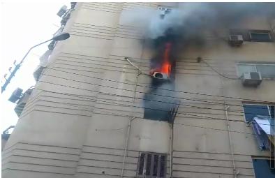 اشتعال النيران في شقة سكنية