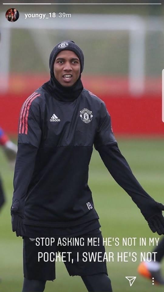 اشلي يونج لاعب مانشستر يونايتد