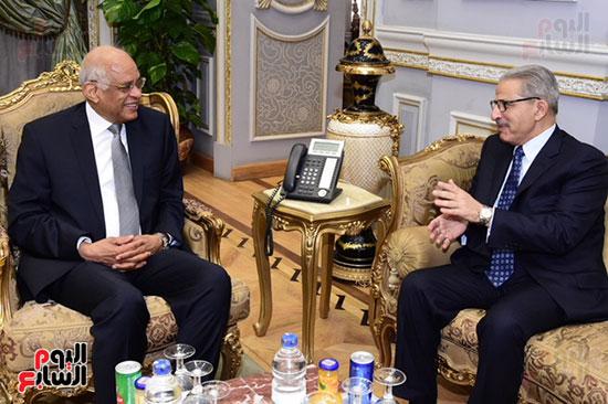 على عبد العال  و أحمد القطان (1)