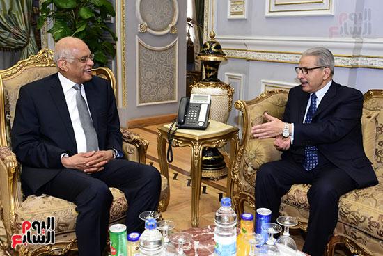 على عبد العال  و أحمد القطان (2)