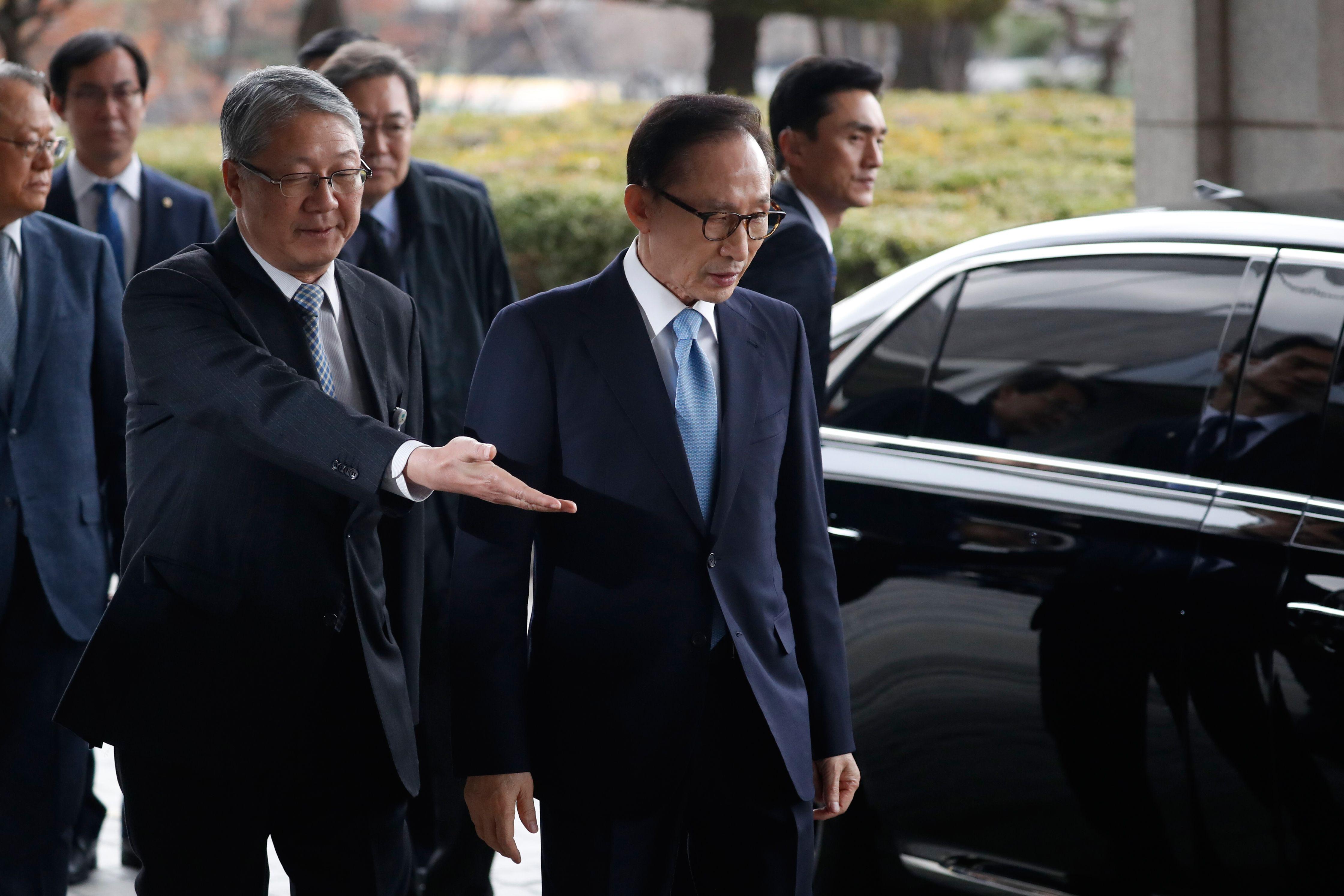 وصول رئيس كوريا الجنوبية السابق للاستجواب