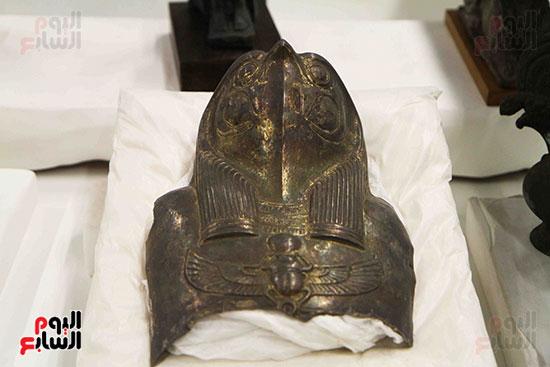 القطع-الأثرية-بمعامل-الترميم-(27)