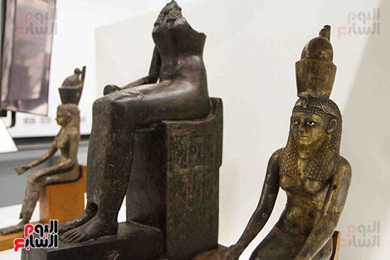 القطع-الأثرية-بمعامل-الترميم-(31)