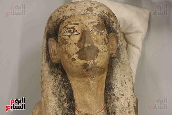 القطع-الأثرية-بمعامل-الترميم-(1)
