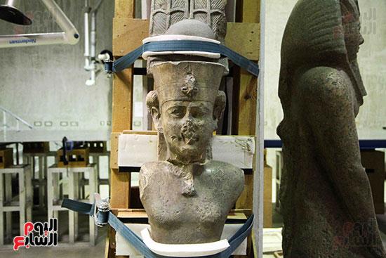 القطع-الأثرية-بمعامل-الترميم-(20)