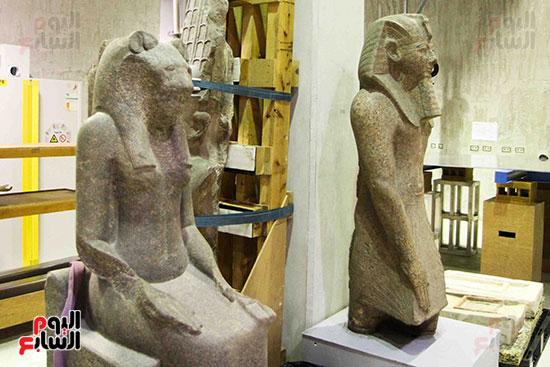 القطع-الأثرية-بمعامل-الترميم-(24)