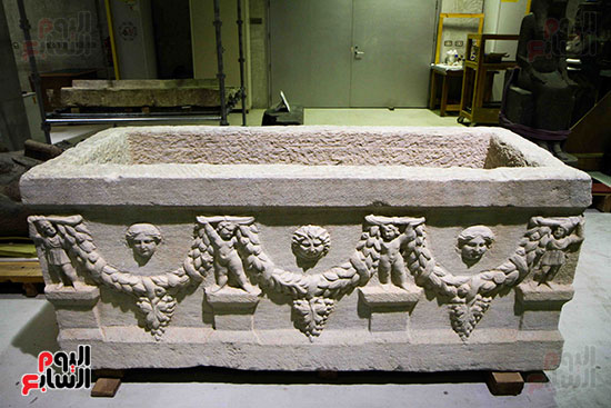 القطع-الأثرية-بمعامل-الترميم-(11)