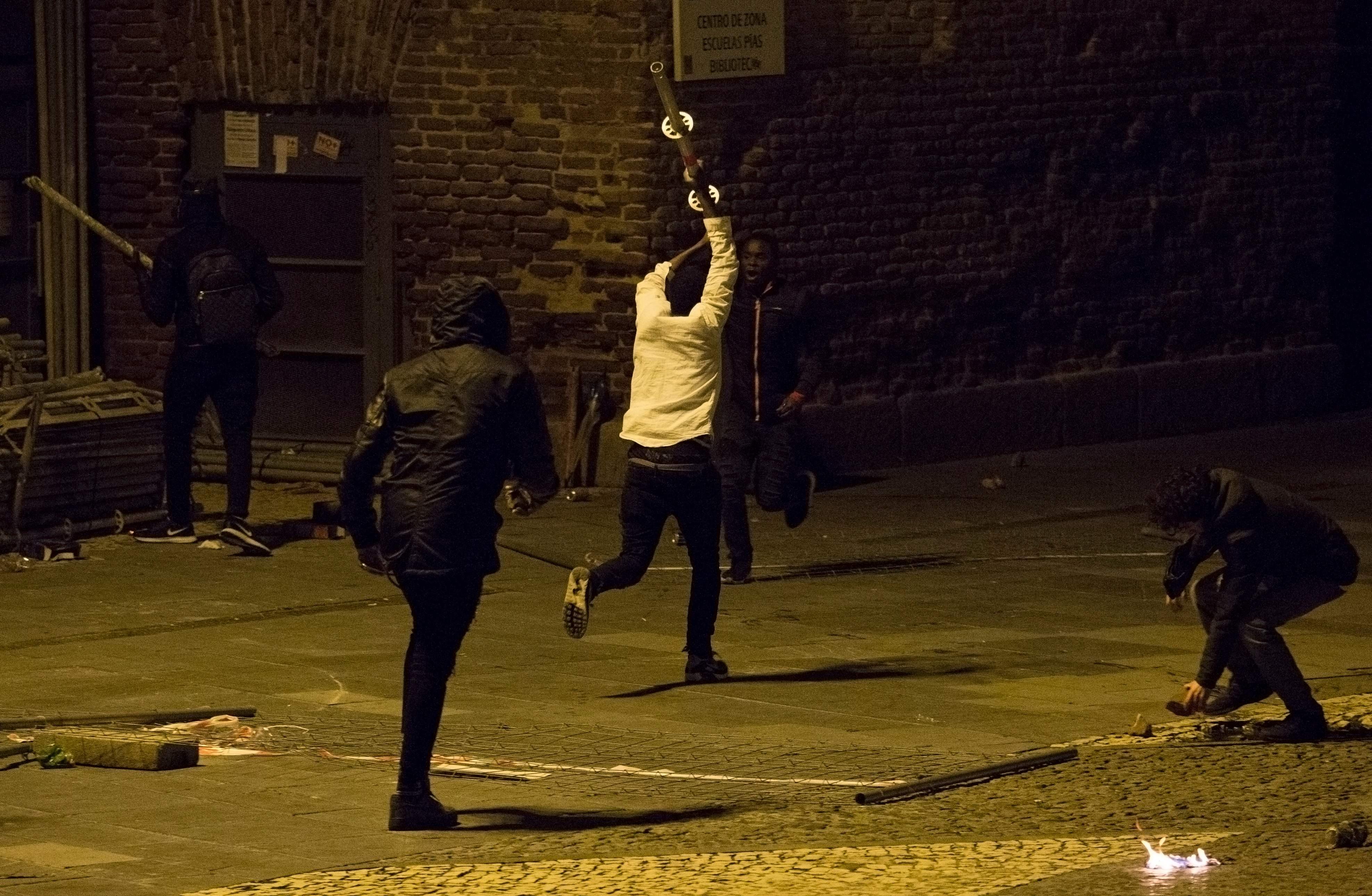 مواجهات عنيفة بين مهاجرين وقوات الأمن