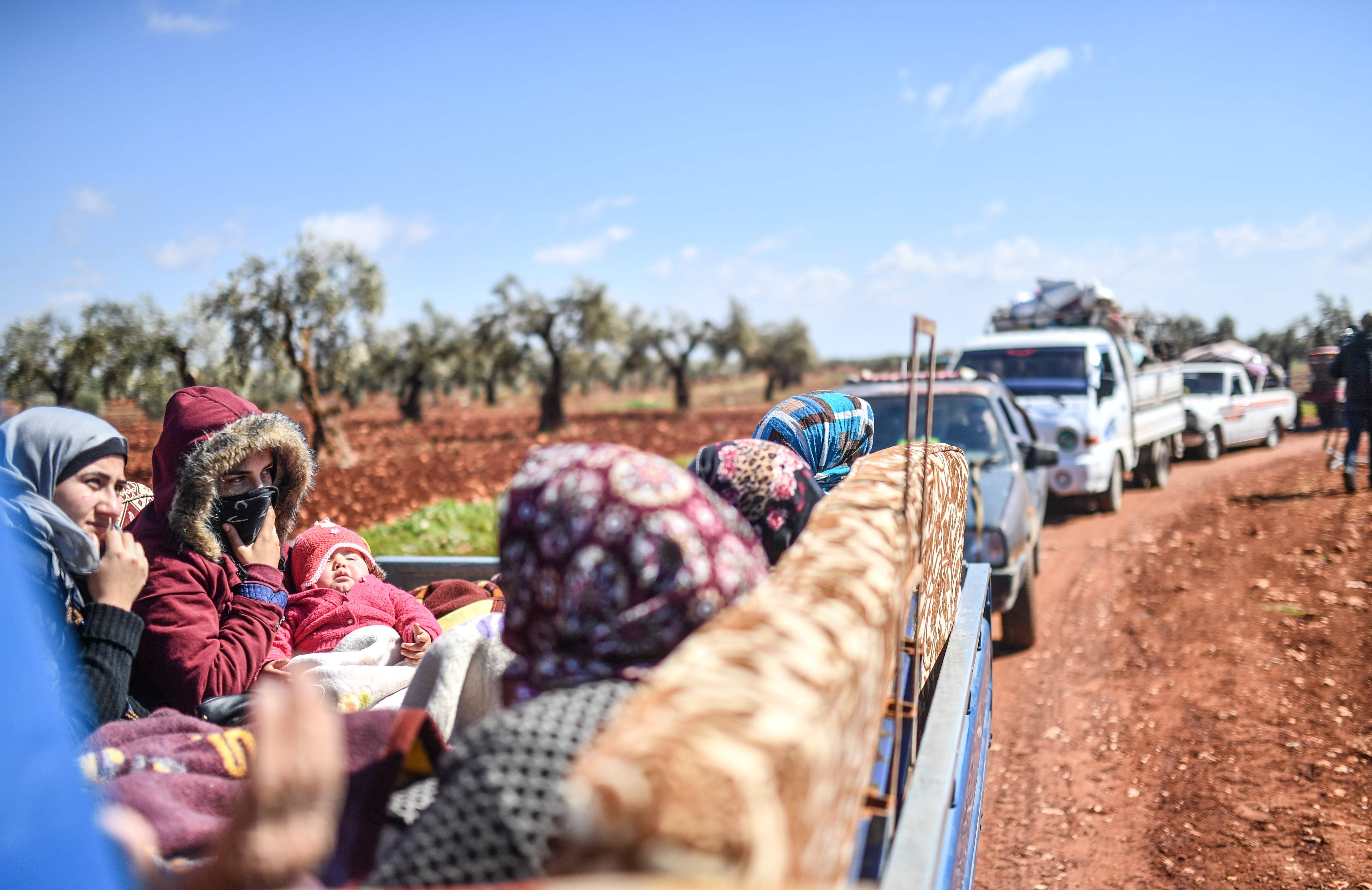 فرار أهالى عفرين فى سوريا