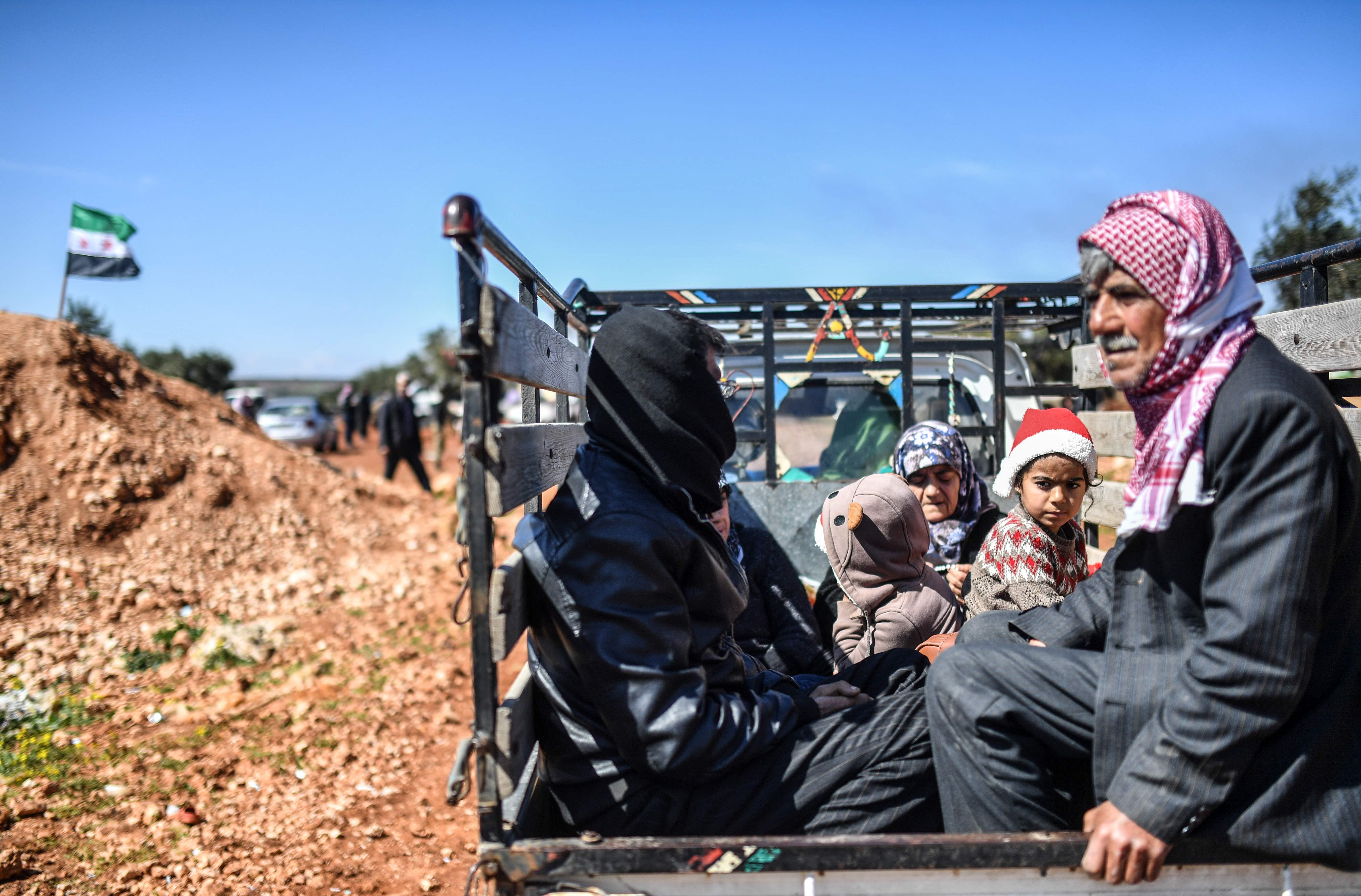 أهالى مدينة عفرين السورية