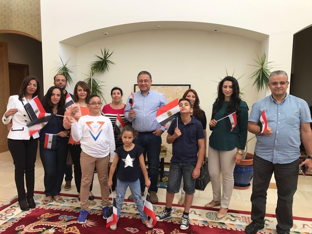توافد أبناء الجالية المصرية بأستراليا للمشاركة بالانتخابات  (6)