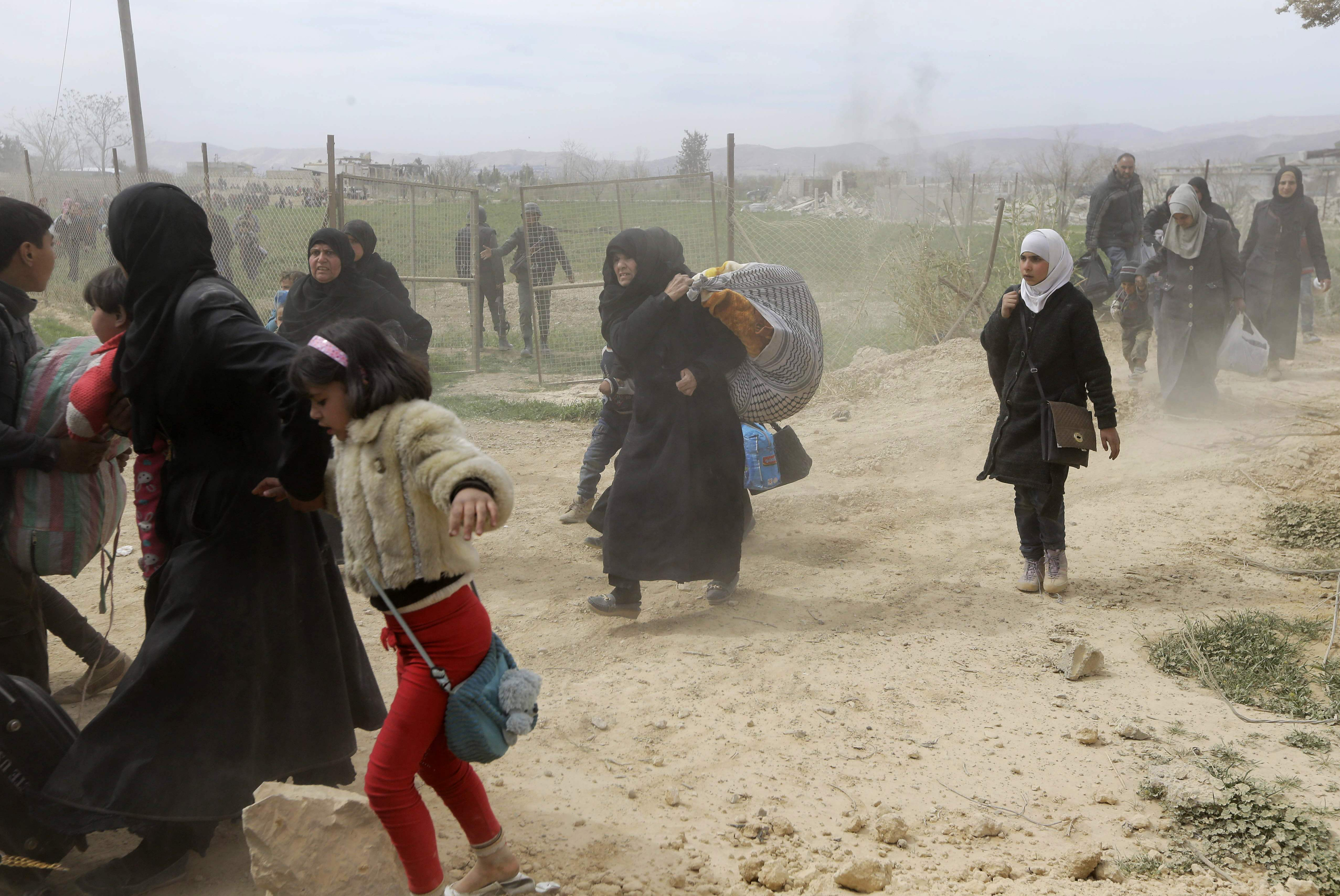 خروج المدنيين من الغوطة الشرقية