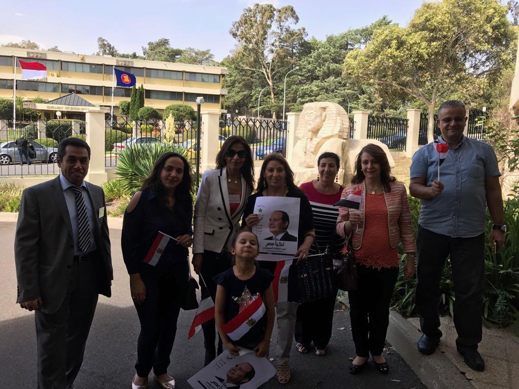 توافد أبناء الجالية المصرية بأستراليا للمشاركة بالانتخابات  (8)