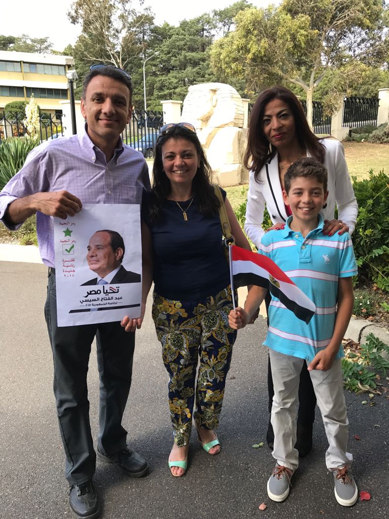 توافد أبناء الجالية المصرية بأستراليا للمشاركة بالانتخابات  (7)