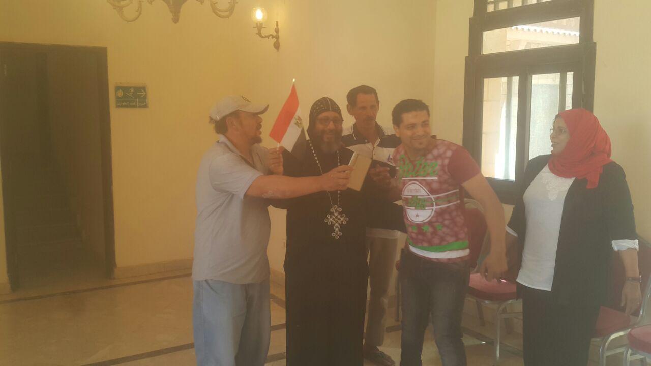 المصريون فى السودان يدلون بأصواتهم فى انتخابات الرئاسة