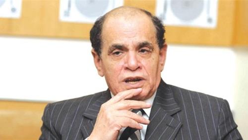 الدكتور صلاح فوزى الفقيه الدستورى
