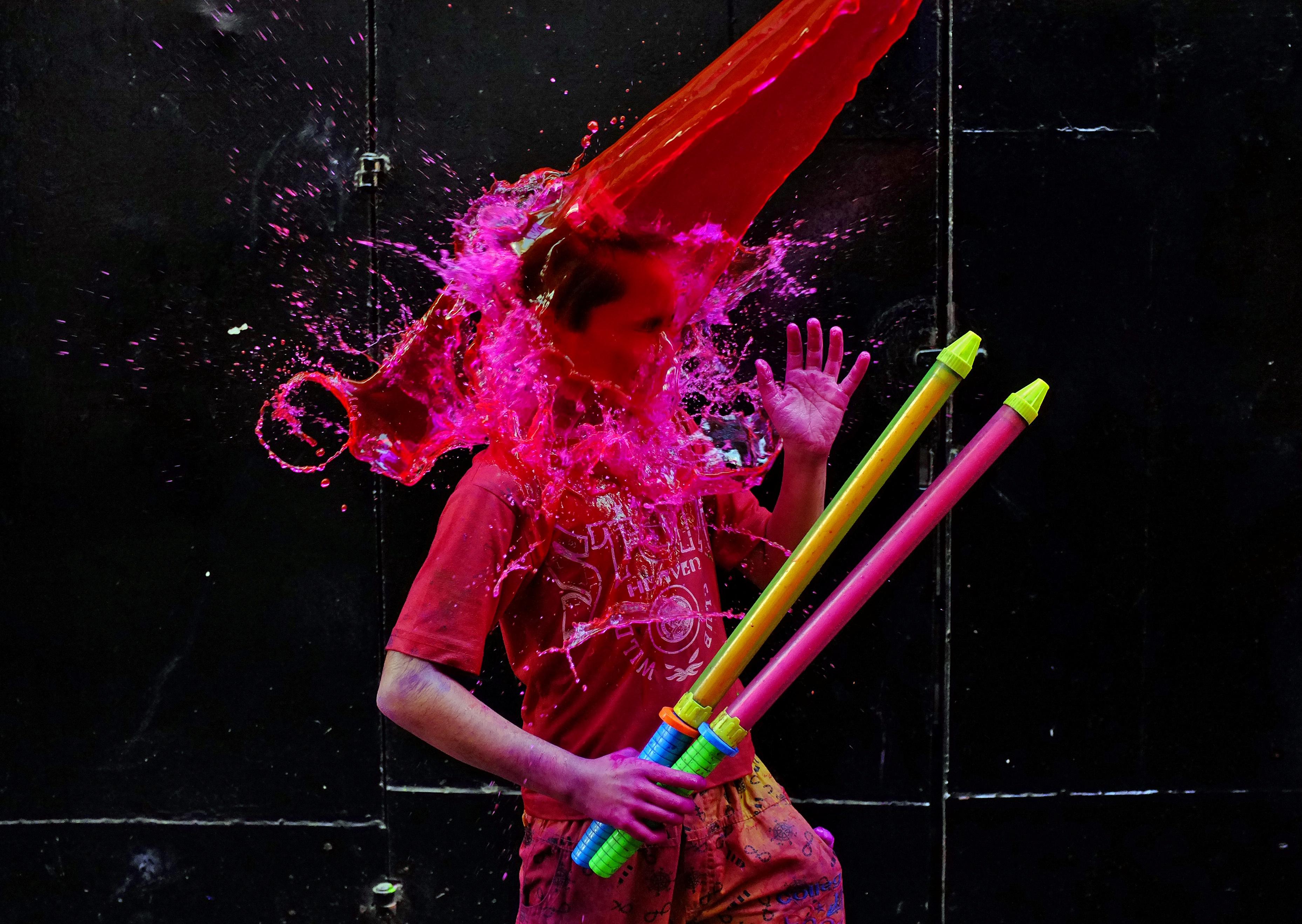 مهرجان الألوان المبهجة فى الهند
