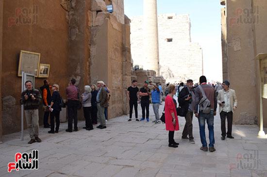 زيارات السياح لمعابد الكرنك التاريخية