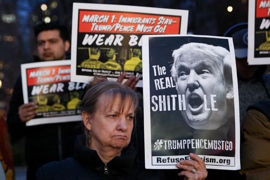 لافتات-ضد-ترامب