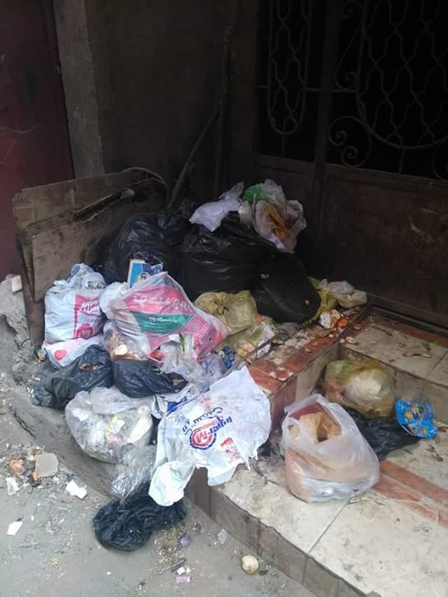 انتشار القمامة بشوارع قرية جنزور  (1)