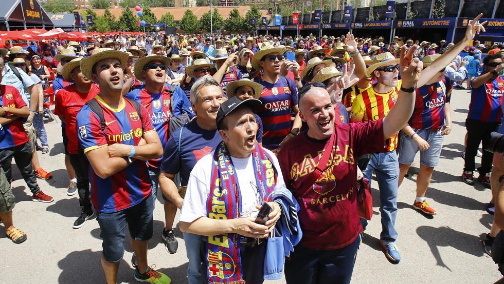 جماهير برشلونة الأسبانى
