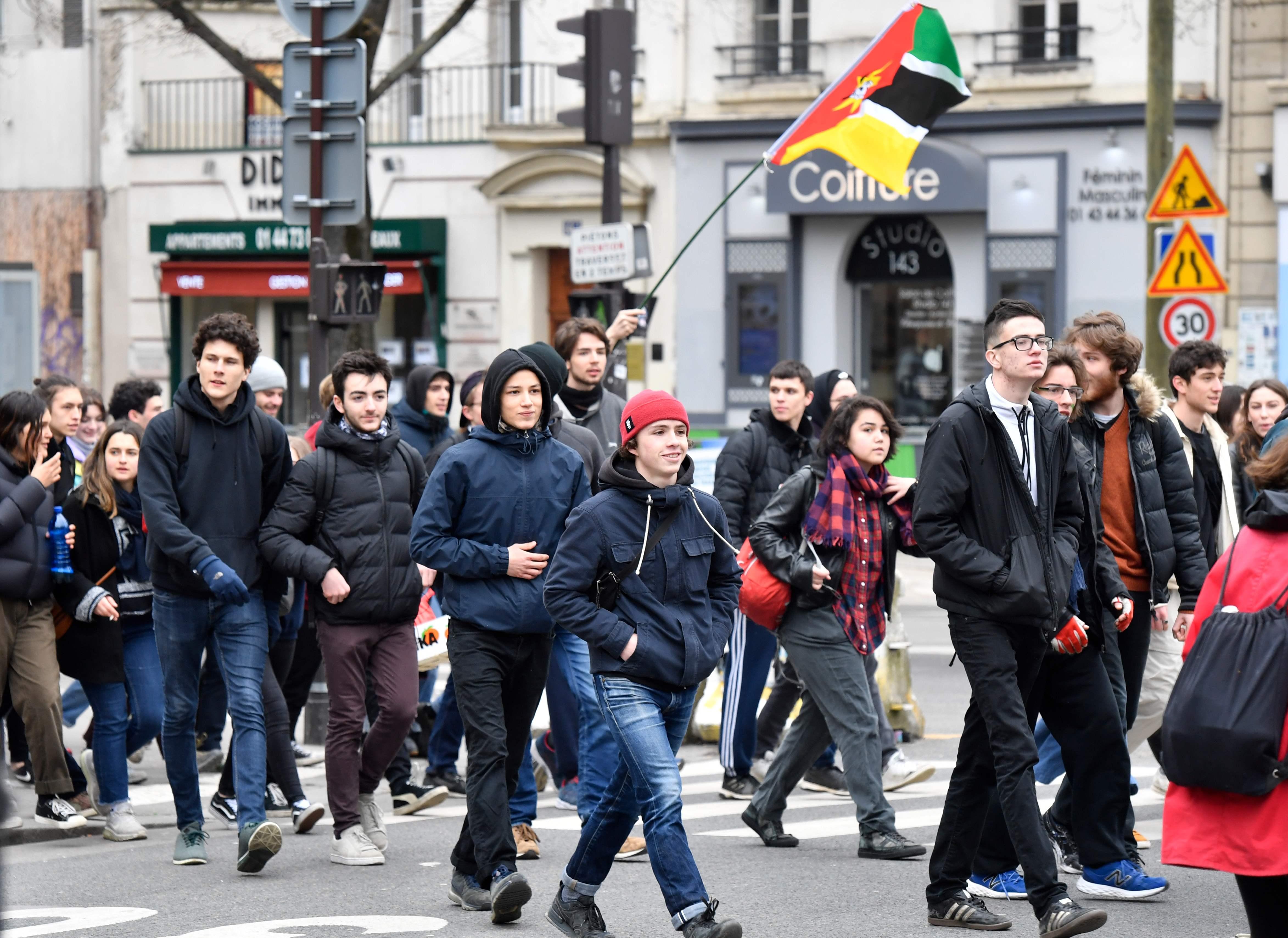 مسيرات فى فرنسا ضد اصلاحات ماكرون