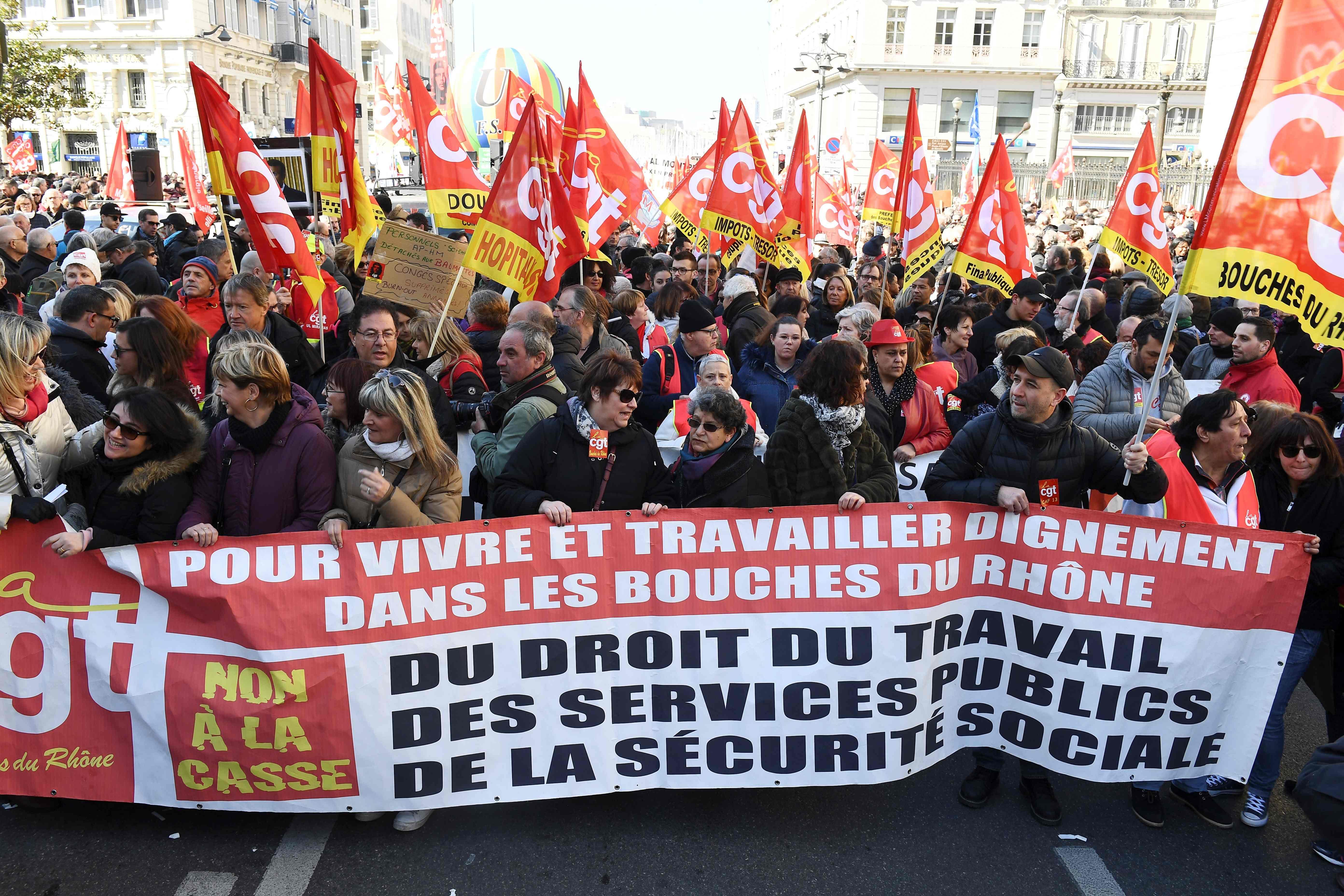 احتجاجات فى فرنسا ضد اصلاحات ماكرون