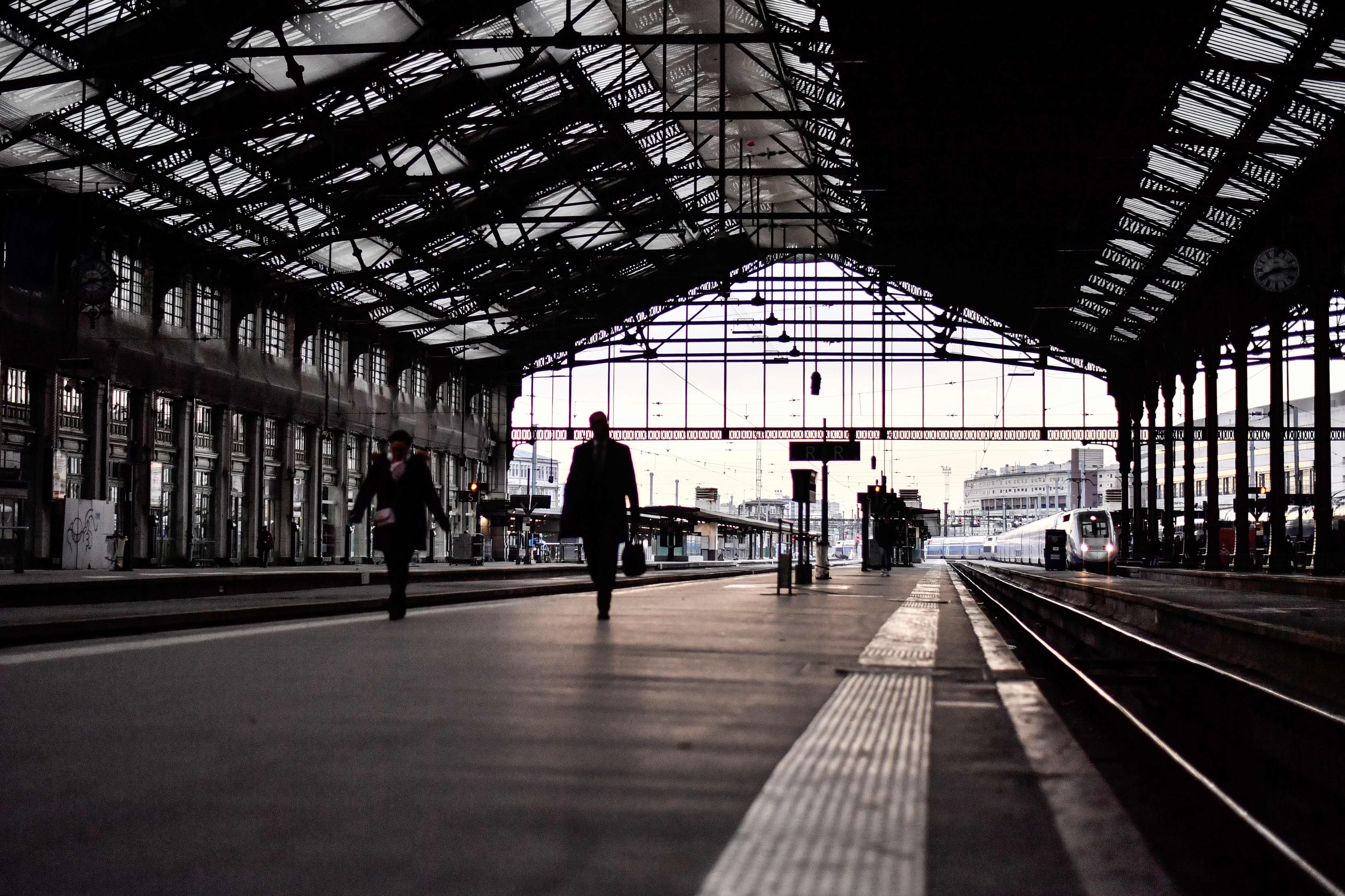 توقف حركة القطارات فى فرنسا بسبب الاضراب