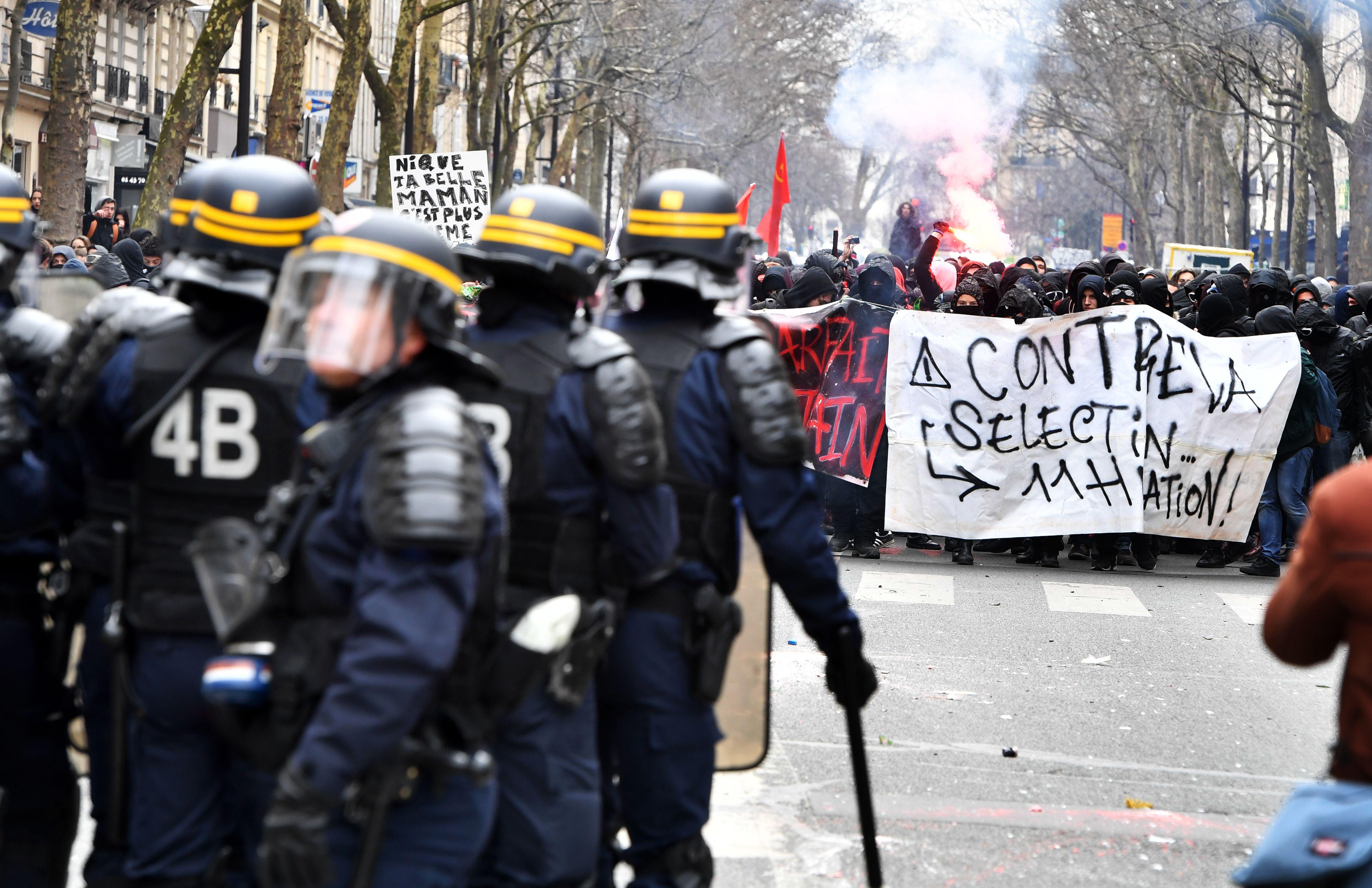 انتشار قوات الشرطة الفرنسية