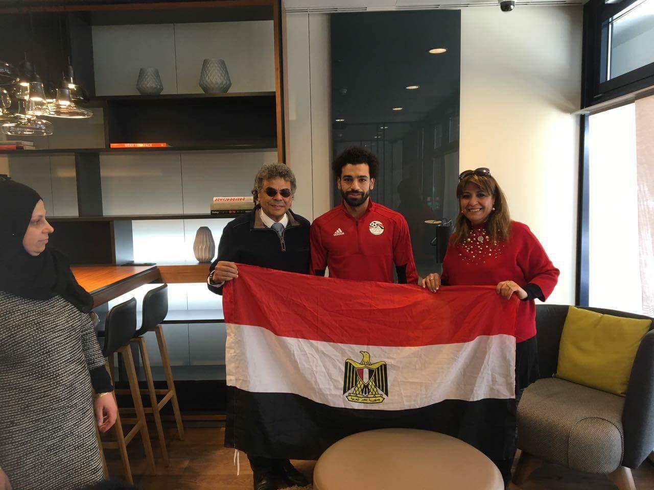 الجاليات المصرية تلتقى محمد صلاح (8)