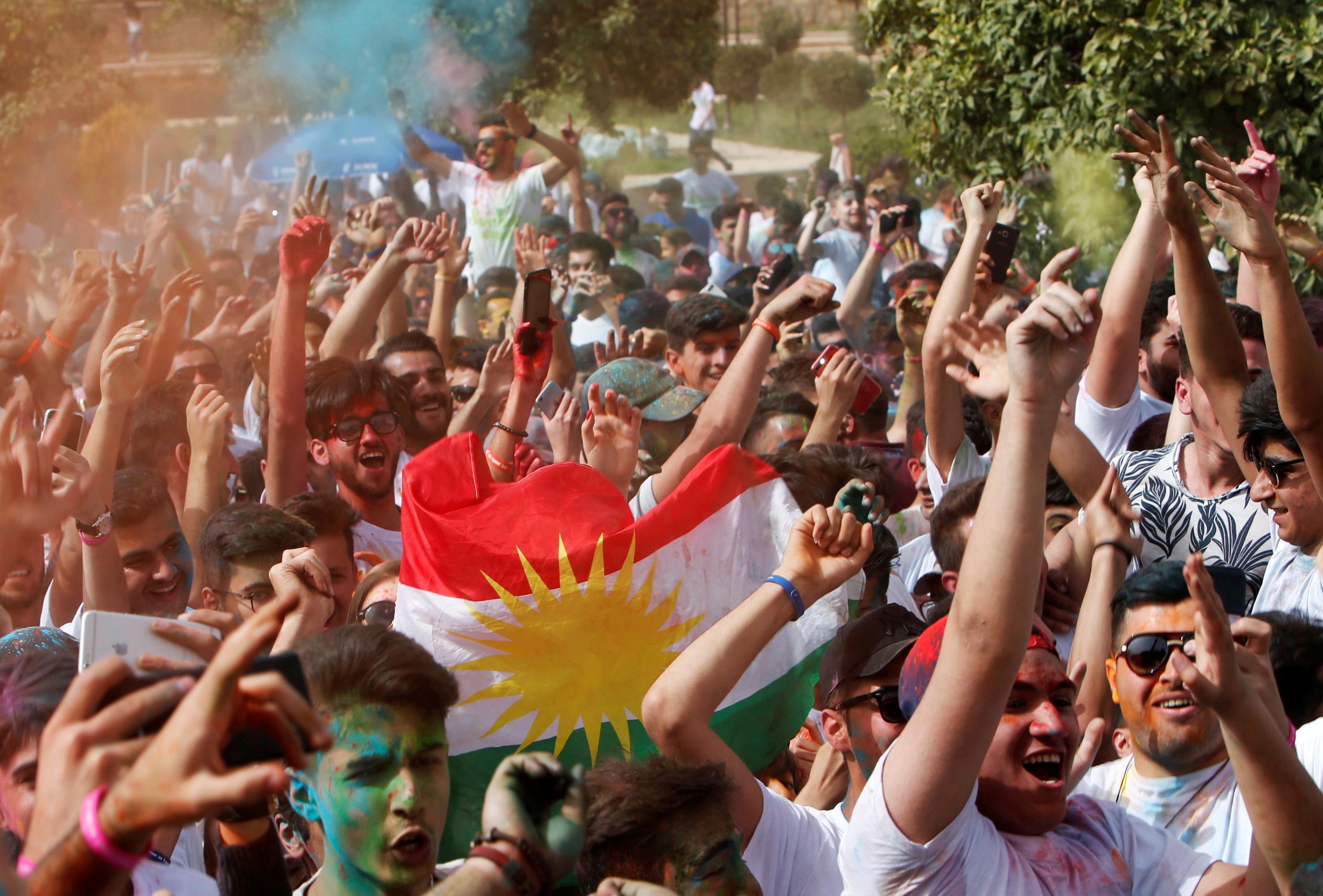 علم كردستان في الاحتفالات