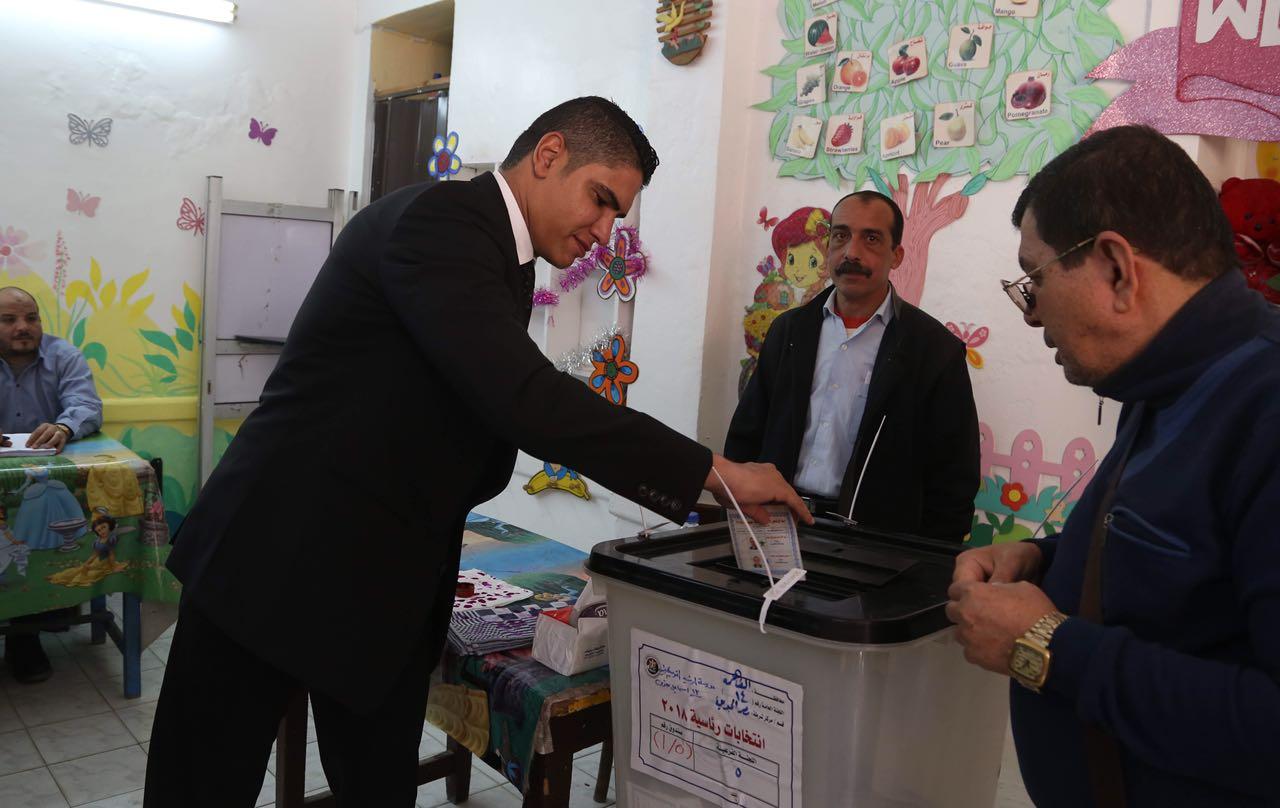رجل الأعمال أحمد أبو هشيمة يدلى بصوته فى الإنتخابات الرئاسية (5)