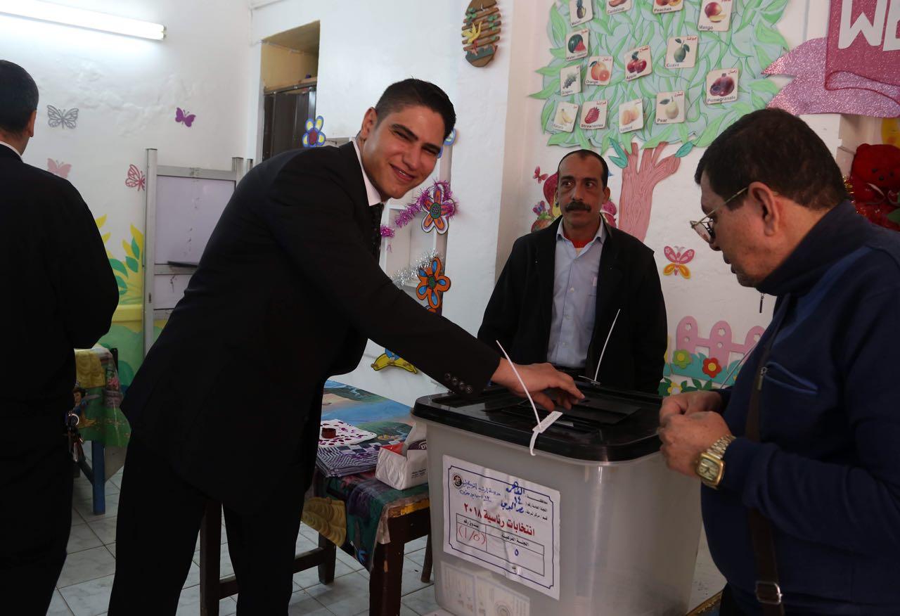 رجل الأعمال أحمد أبو هشيمة يدلى بصوته فى الإنتخابات الرئاسية (2)