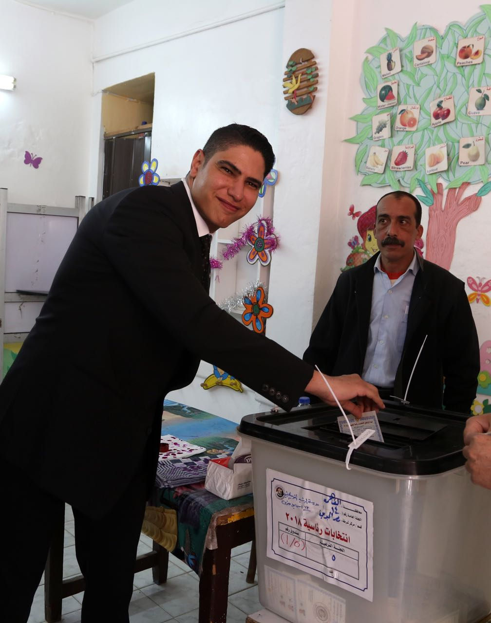 رجل الأعمال أحمد أبو هشيمة يدلى بصوته فى الإنتخابات الرئاسية (4)