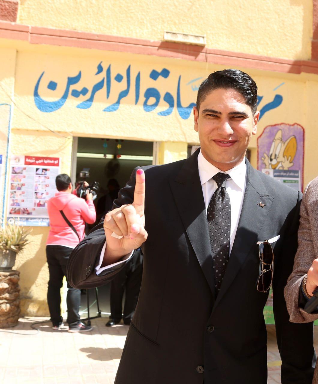 رجل الأعمال أحمد أبو هشيمة يدلى بصوته فى الإنتخابات الرئاسية (3)