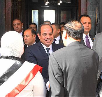 34181-الرئيس-السيسى-يدلى-بصوته-فى-لجنته-الانتخابية-بمصر-الجديدة-(4)