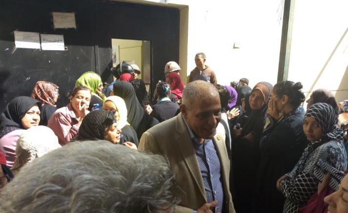 أمين مسعود نائب الشرابية والزاوية يدلى بصوته فى انتخابات الرئاسة (1)