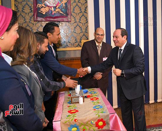 78217-الرئيس-السيسى-يدلى-بصوته-فى-لجنته-الانتخابية-بمصر-الجديدة-(3)