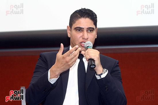 أبو هشيمة فى الجامعة الأمريكية (18)