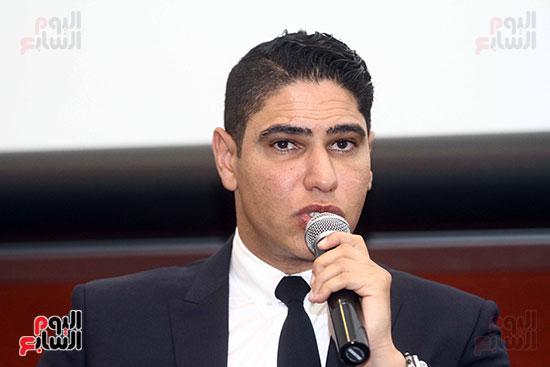 أبو هشيمة فى الجامعة الأمريكية (19)