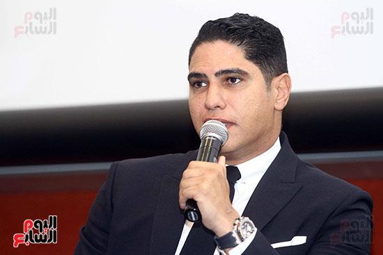 أبو هشيمة فى الجامعة الأمريكية (6)