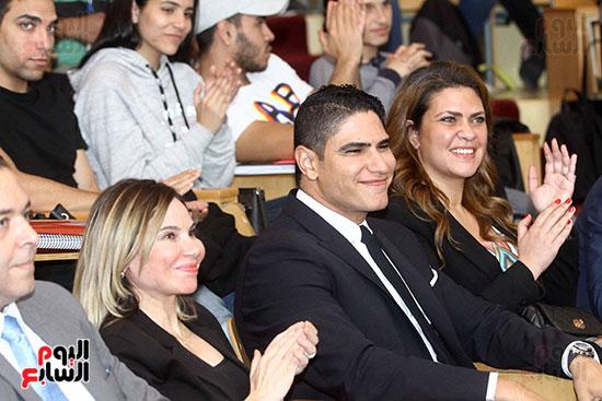 أبو هشيمة فى الجامعة الأمريكية (1)