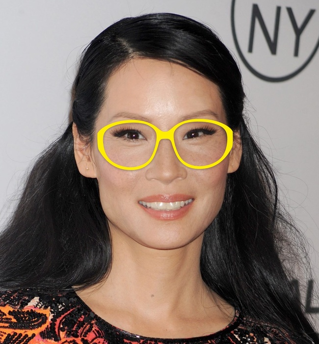 2ceda286d أخر كلام | من المربع للبيضاوى.. اعرفى إزاى تختارى النظارة إللى تليق على  مقاسات وجهك