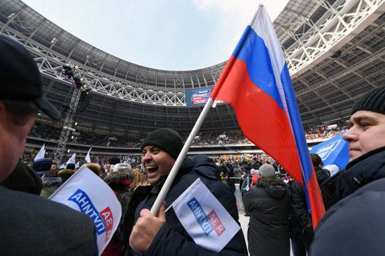 •العلم الروسى يسيطر على الاحتفالات