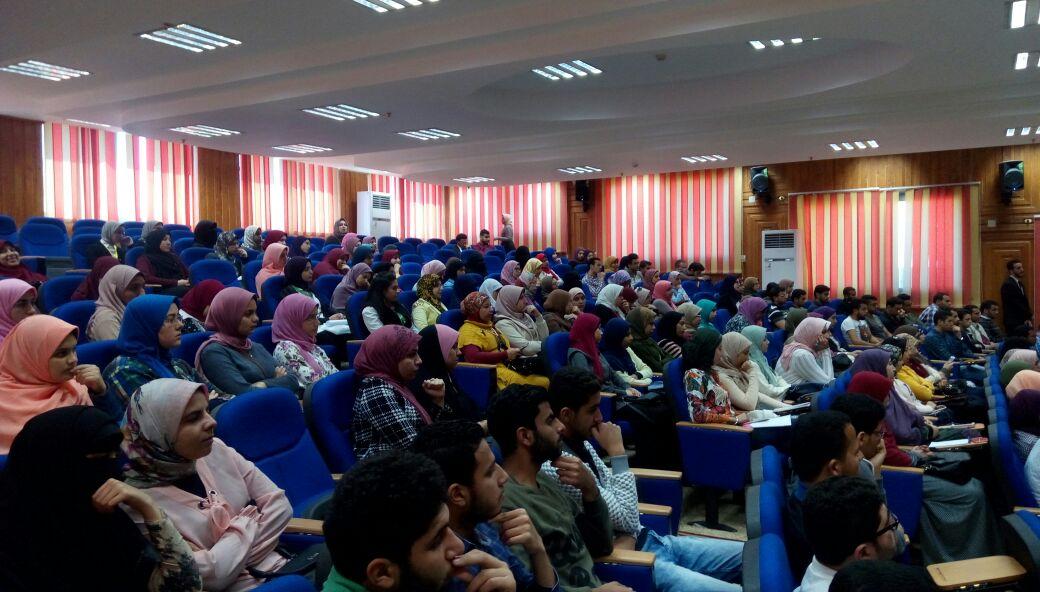 4- جانب من المشاركين في الملتقى